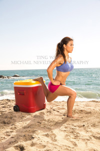fitness-model-ting-wang-beach-single-leg-squat