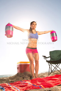 fitness-model-ting-wang-beach-water-jug-lateral-raise